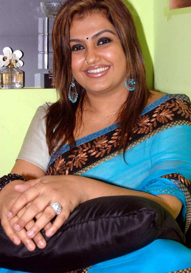 Tamil Hot Actress Sona In Saree S