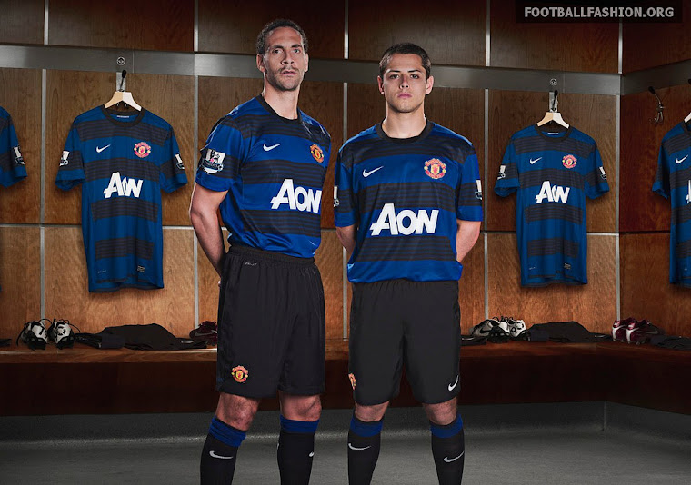 Manchester United Striping!  Away Kit.