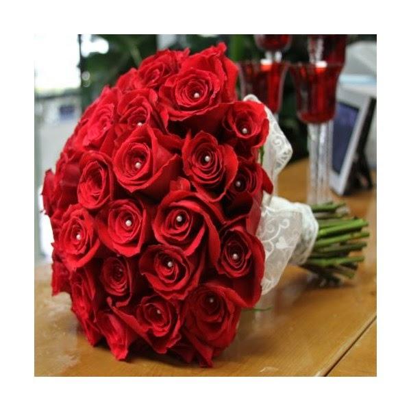 kado ulang tahun bunga mawar merah