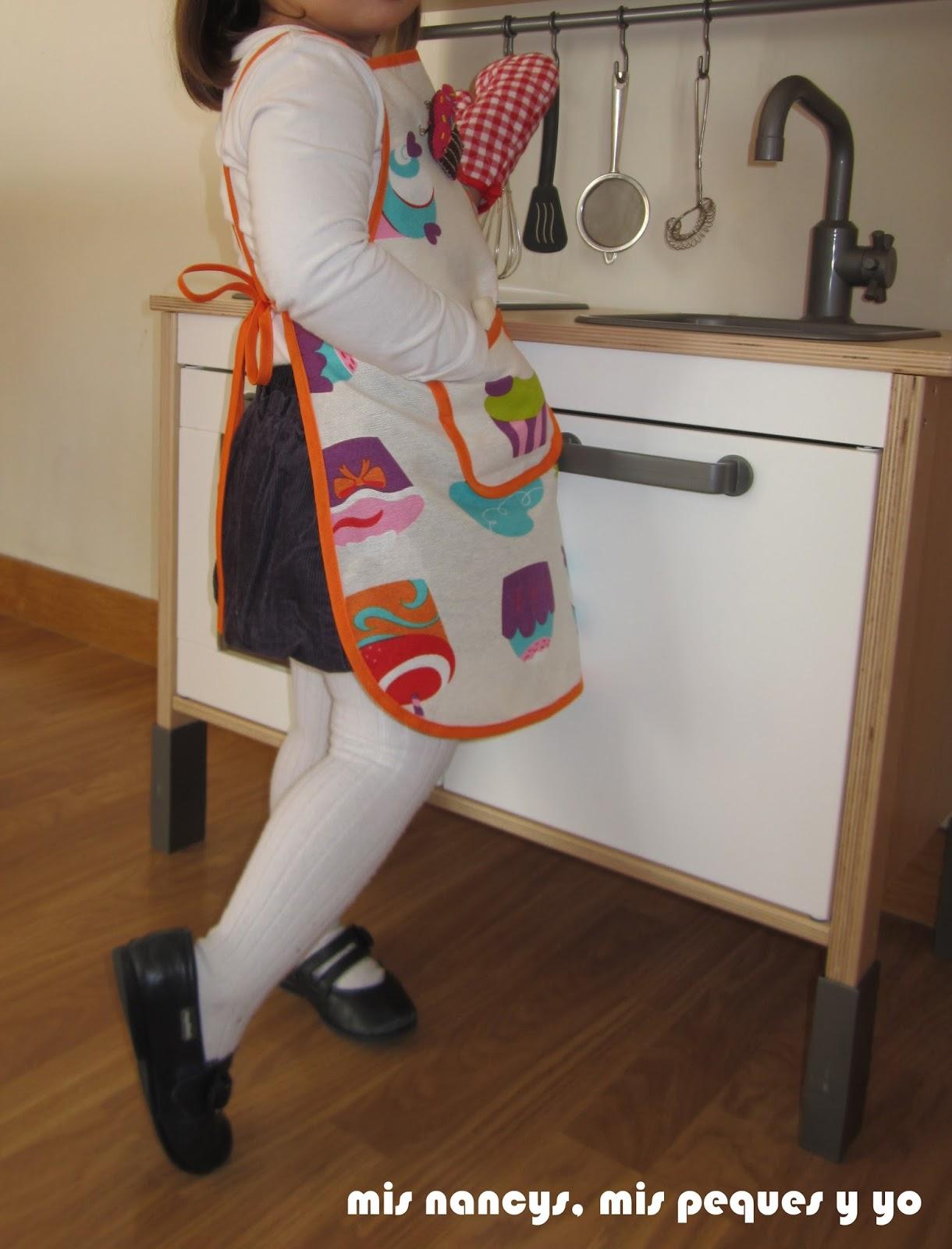 mis nancys, mis peques y yo, delantal con cupcakes para niñas, con bolsillo