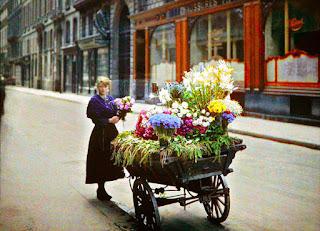 Σπάνιες έγχρωμες εικόνες του Παρισιού τραβηγμένες έναν αιώνα πριν!