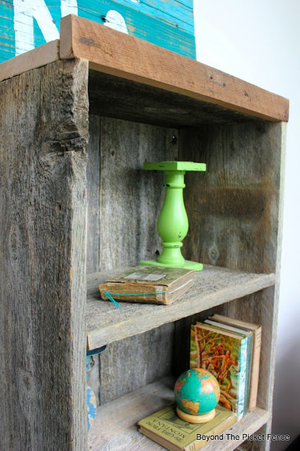 reclaimed wood, shelf, DIY, bookshelf, salvaged, beyond the picket fence, http://bec4-beyondthepicketfence.blogspot.com/2015/07/project-challenge-reclaimed-wood.html