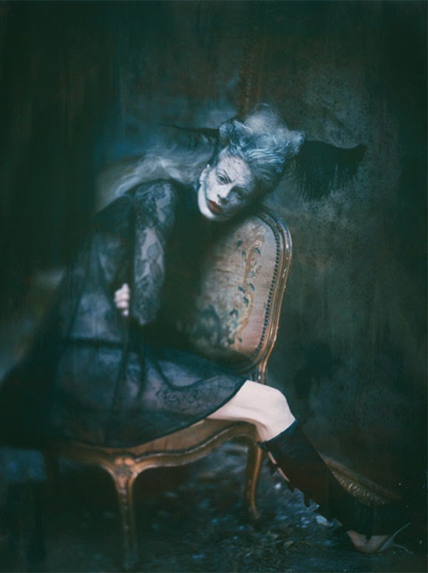 Kristen McMenamy in 'Golden Eye' by Paolo Roversi for Vogue Italia September 2011 | Ses Rêveries