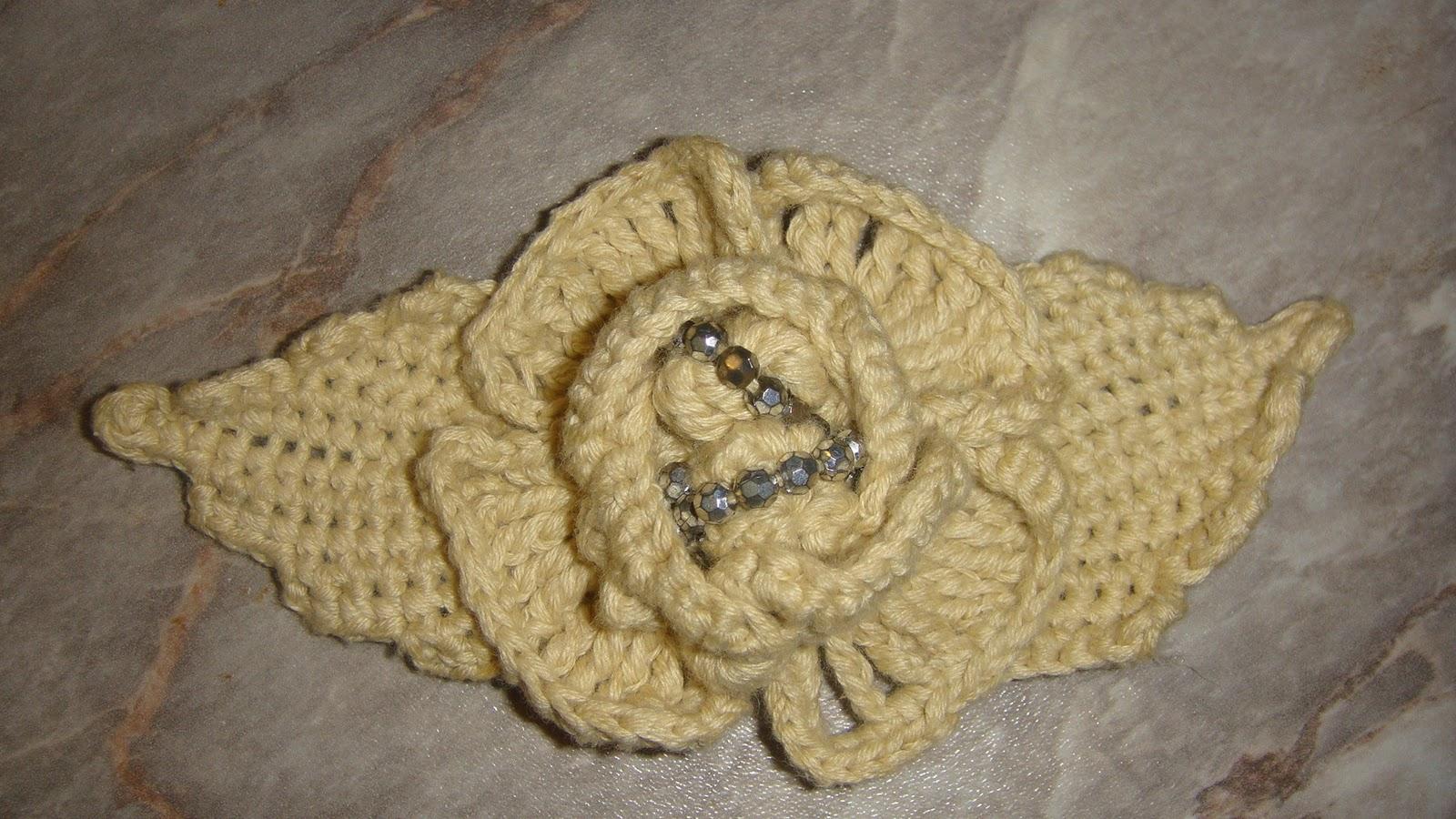 Crosetatul si tricotatul sunt indeletniciri foarte vechi.Aici pe ...