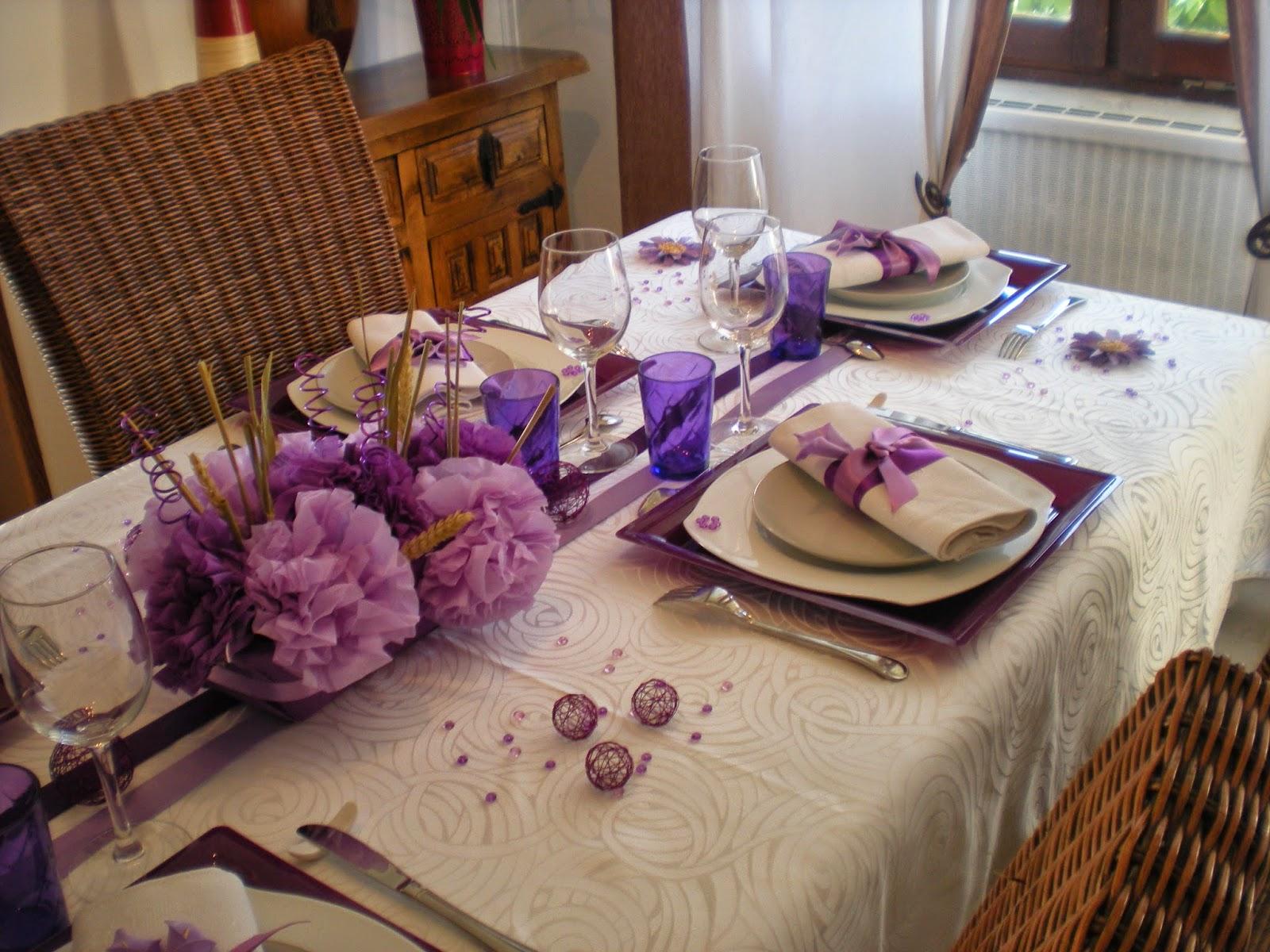 D co th mes une d co de table aux couleurs lilas for Objet deco mauve