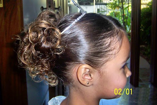 penteados-daminhas-cabelos-cacheados-5