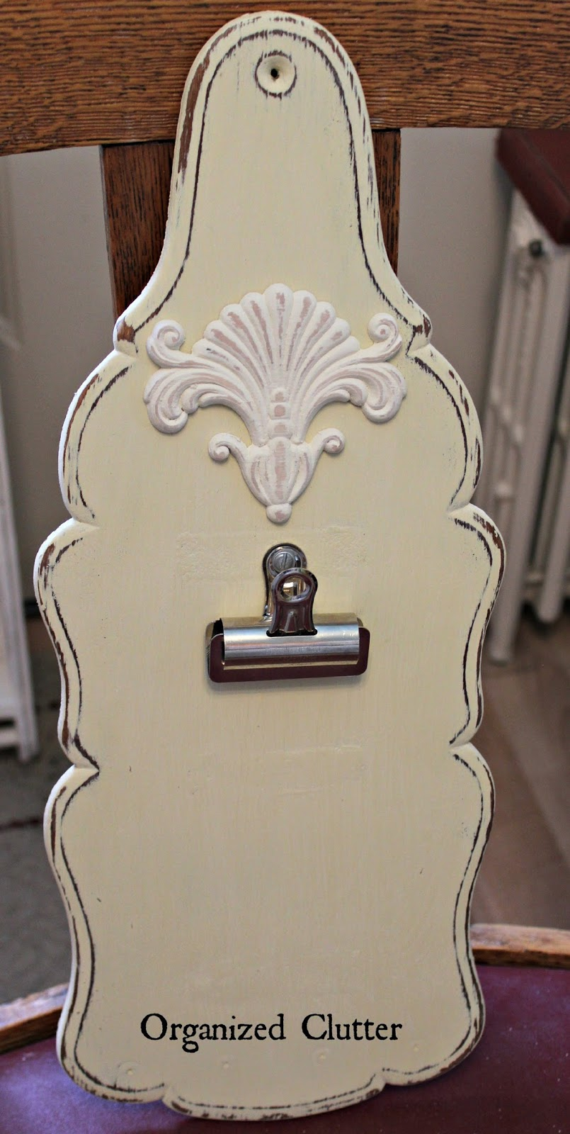 Fun Photo Display with Bulldog Clips www.organizedclutterqueen.blogspot.com