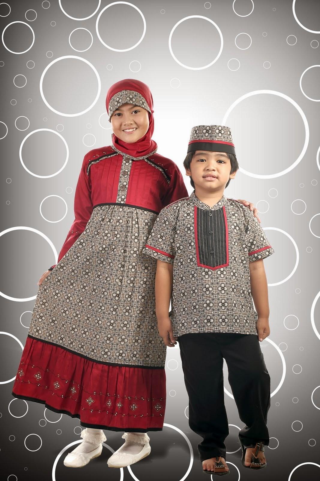 Model baju batik muslim terbaru untuk anak perempuan dan laki-laki