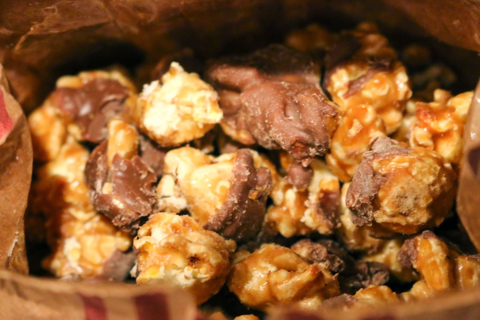 Philly Food Blog: Go Popcorn Chocolate Caramel Popcorn