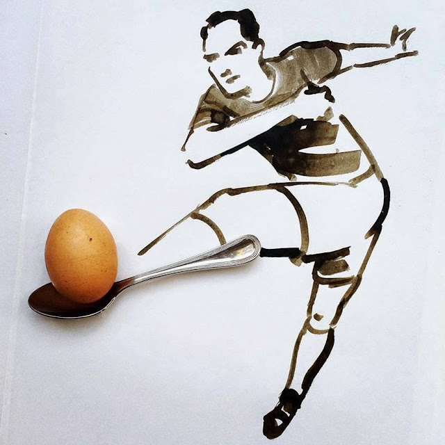 Creativity04-with-Egg-FootBall