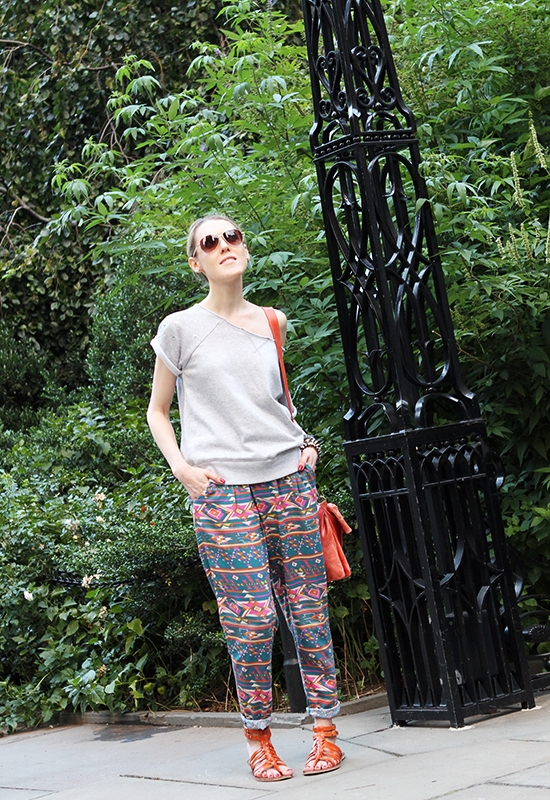 """Sweatshirt and Southwest Print Pants"" Outfit of the Day Post on ""The Wind of Inspiration"" Blog ( 09.08.2012)"