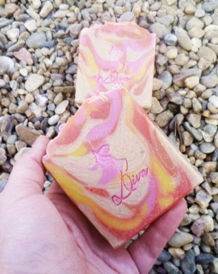 природни сапуни, рално изработени сапуни, diva soap, swirl