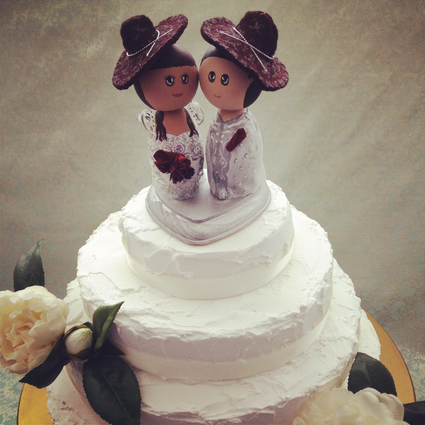 DSMeeBee Indian Bride and Mexican Groom Wedding Cake Toppers