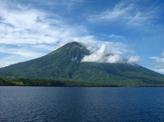 Objek Wisata Gunung Gamalama Ternate Maluku
