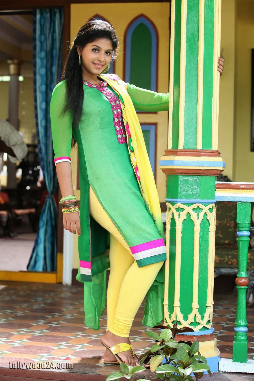 Anjali latest photos in green churidar-HQ-Photo-1