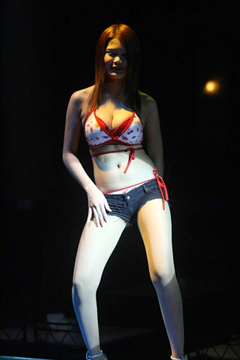 Thai nightclub girls (1)