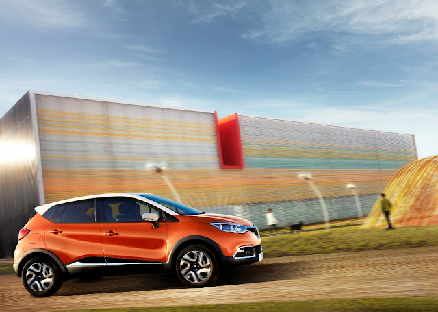 Vista laterale SUV crossover Renault Captur
