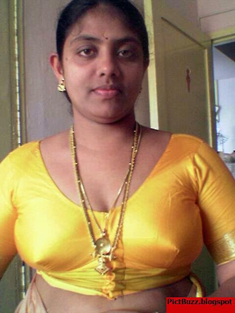 saree without blouse photos