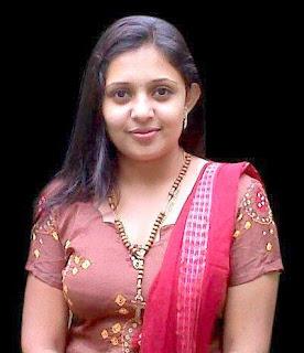 Kumkumapoovu actress Aswathy photos
