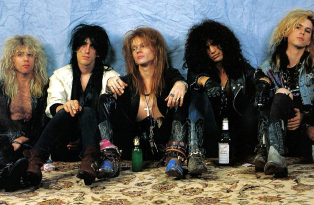 http://1.bp.blogspot.com/-6oa4covjwZY/Ttzpt-R3AAI/AAAAAAAAAsM/yha4TfFZiQg/s1600/guns-n-roses-background-2-798985.jpg