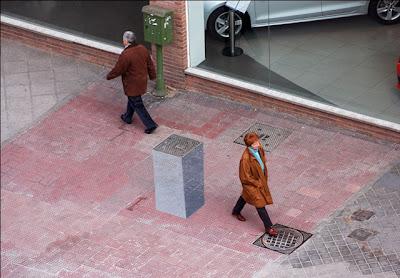 Street art 3D pedestal