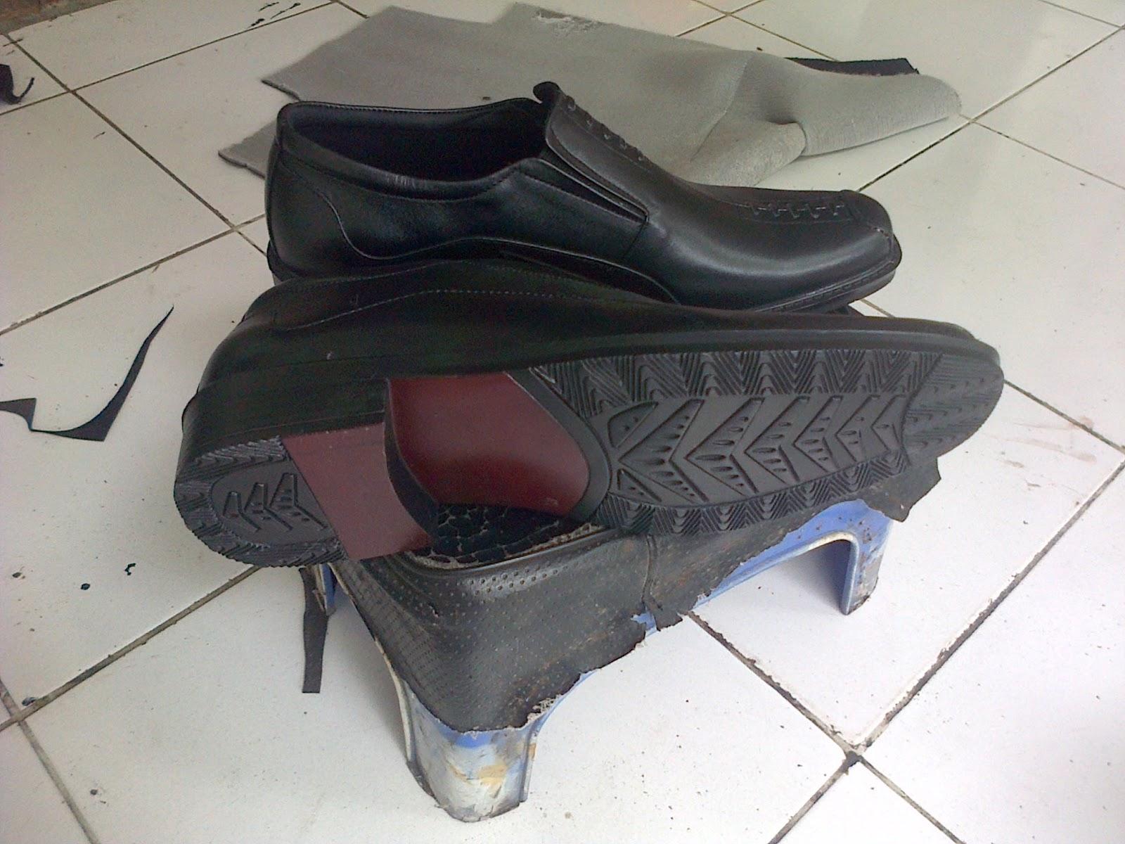 Aksesoris Dompet Tas Sepatu Sandal Kulit: Grosir Aksesoris ...