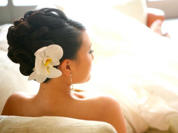 Свадебные прически с цветами для средних волос своими руками.