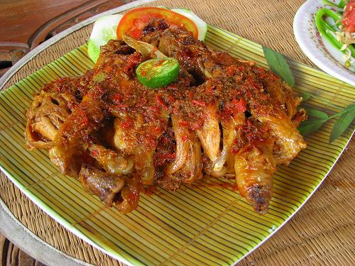 Jenis Makanan Ayam Betutu Khas Bali