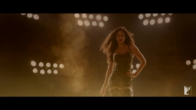 Katrina Kaif hot in black dress in dhoom macha le song
