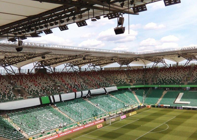 Pusty stadion dwie godziny przed meczem - fot. Tomasz Janus / sportnaukowo.pl