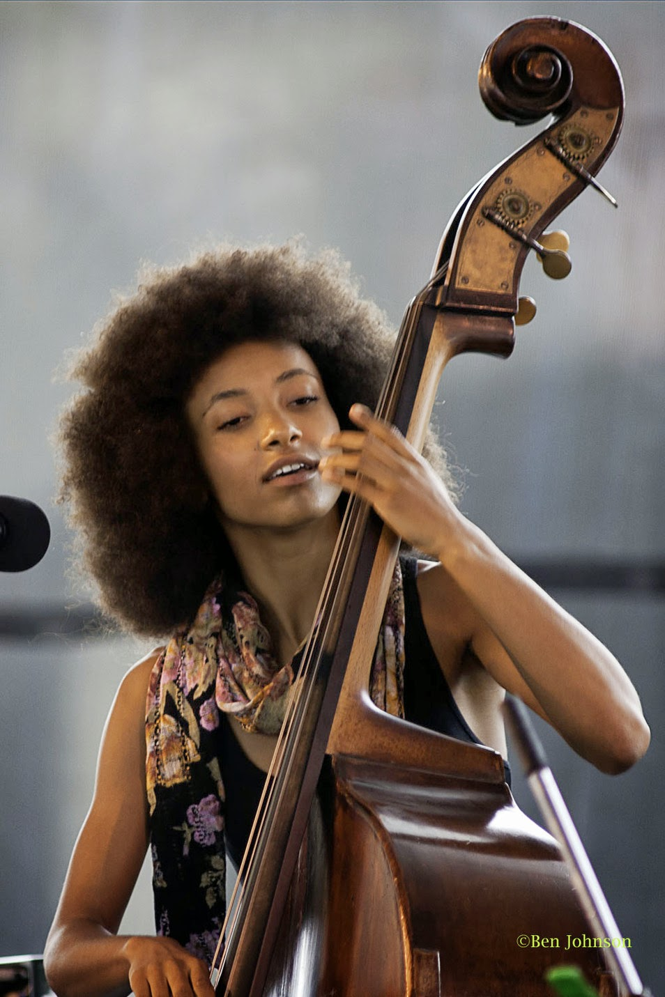 esperanza single men For her new work entitled 'exposure', composer, vocalist and bassist esperanza spalding will create a new album in just 77 hours every second of the process will be live streamed for you, right before your very eyes, letting you watch the album you've purchased be filled with the music she creates.