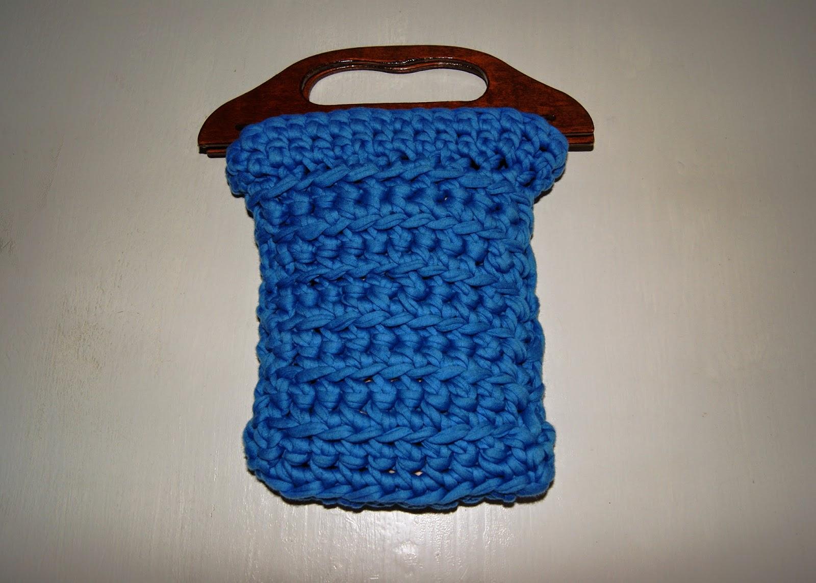 Ruca la casa de los complementos bolso de trapillo azul con asas de madera - La casa de los bolsos ...