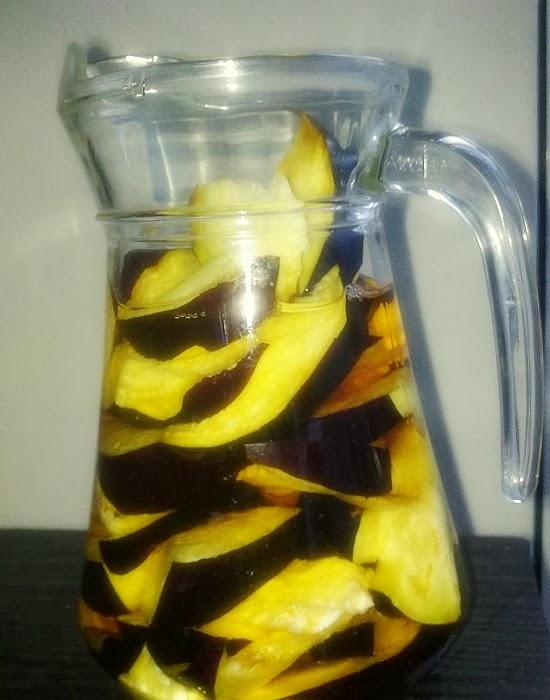 Aguá de berinjela e limão para emagrecer