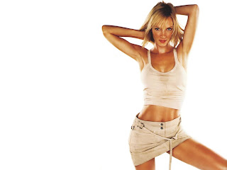 Uma Thurman Hot