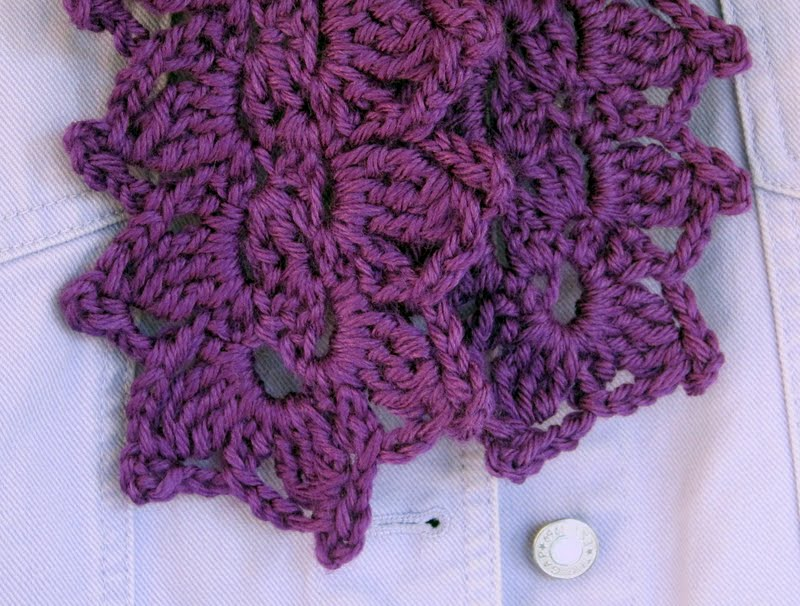 Crochet Scarf Pattern Leaf : Mr. Micawbers Recipe for Happiness: Laurel Leaf Scarf ...