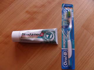 Oral-B Zahnbürste Complete Fresh und blend-a-med Zahncreme Complete Schutz Mundspülung im Test