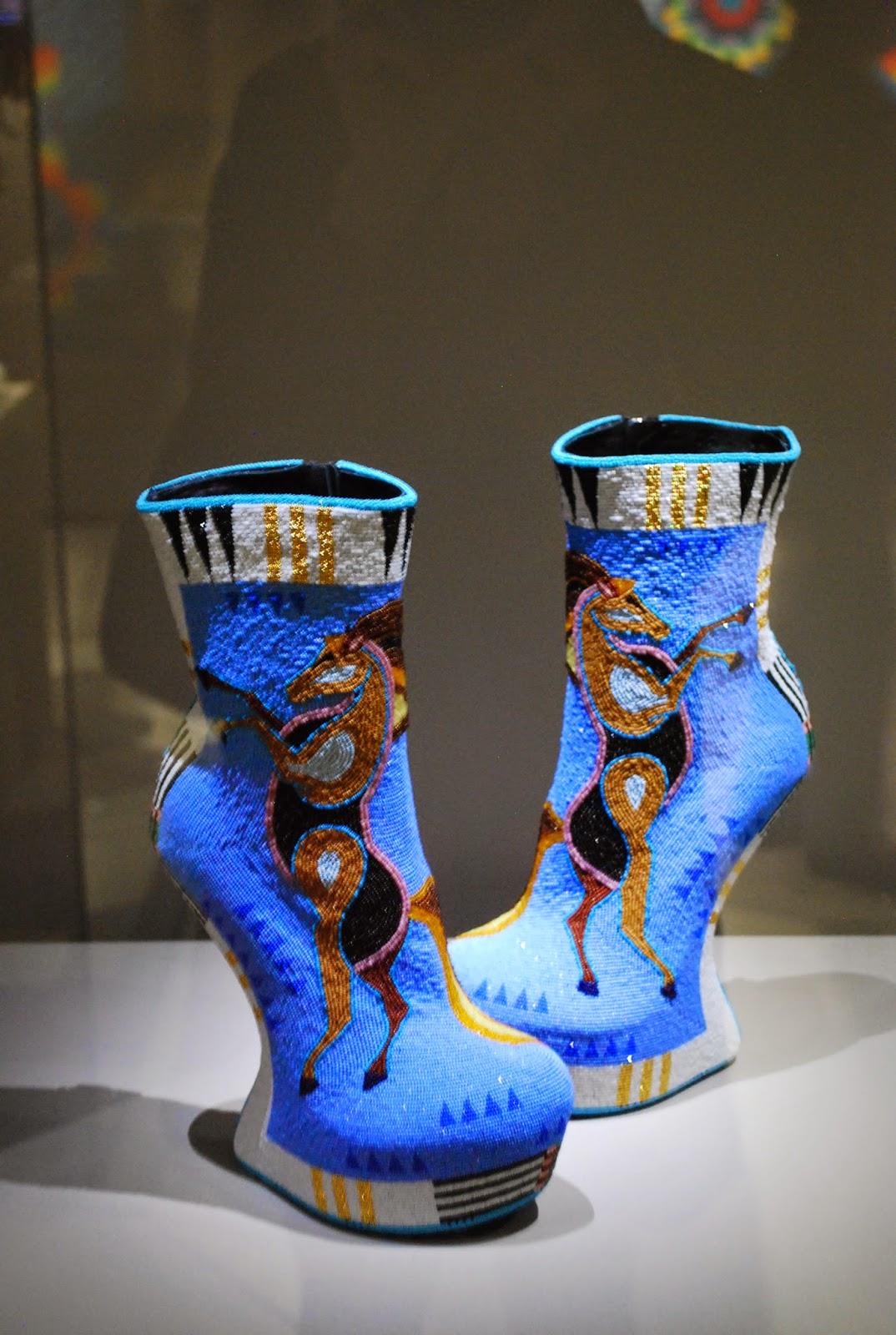 J. Okuma, Chaussures sabots, 2014