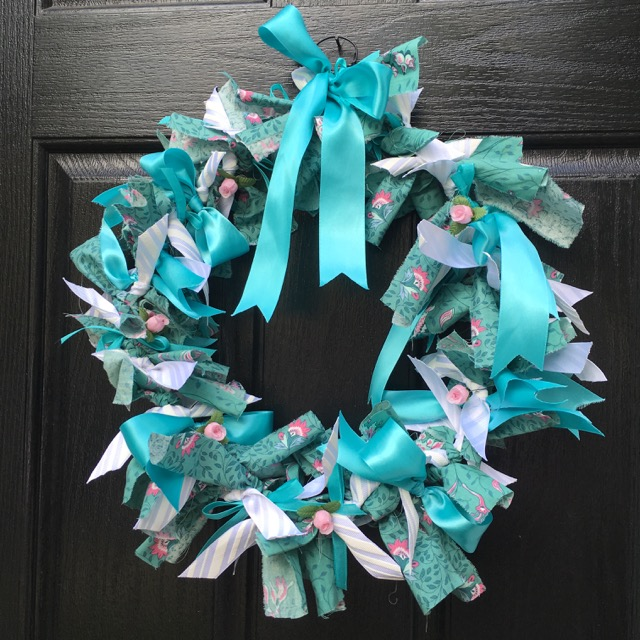Make a Raggedy Ribbon Wreath