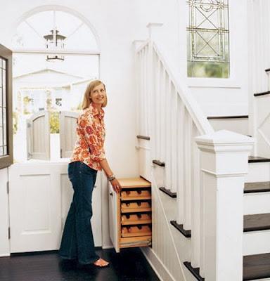 muebles bajo la escalera