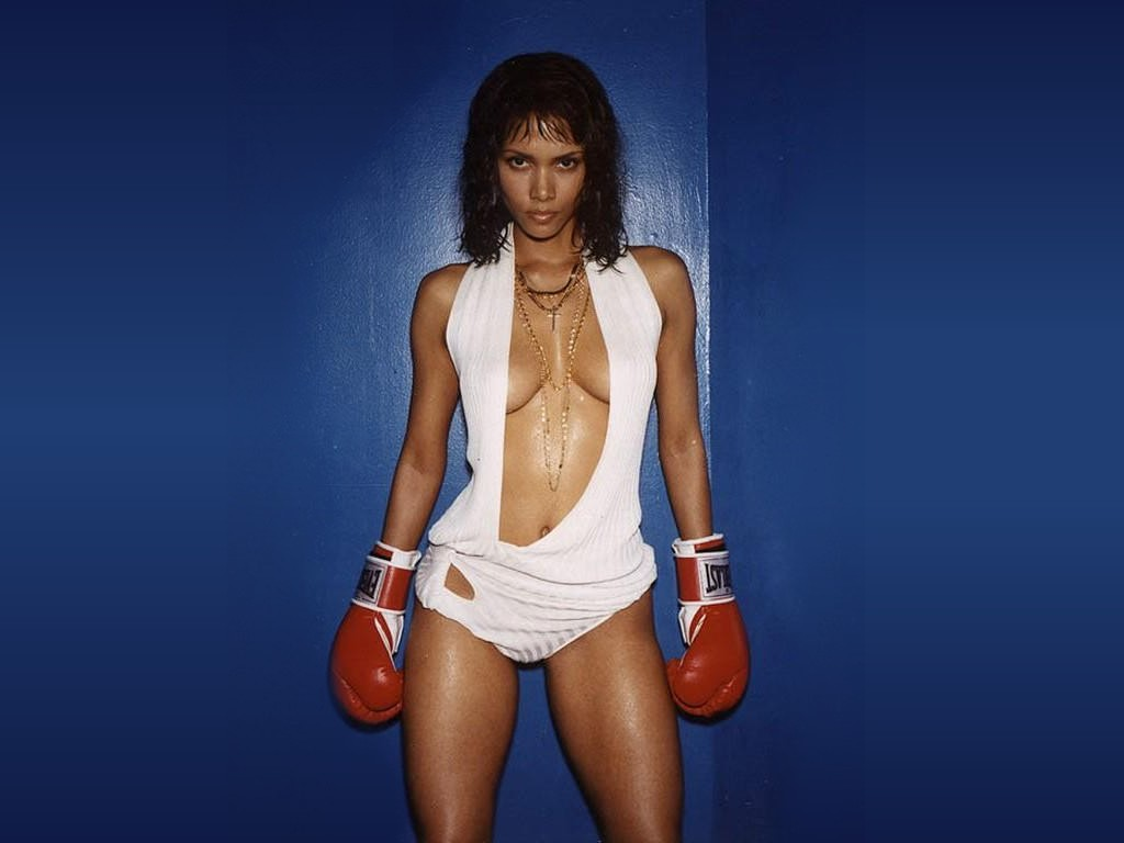http://1.bp.blogspot.com/-6qSyaPa4pm0/TafjBZeXGnI/AAAAAAAADic/hMuw8hEQU7g/s1600/Sexy+Halle+Berry+Images+%25283%2529.JPG