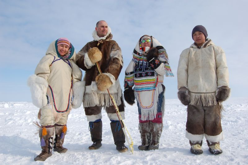 inuit people The inuit were, and still are hunter-gatherer people this is because nothing can be domesticated in the arctic's extreme climate, everything had to be scavenged and hunted.