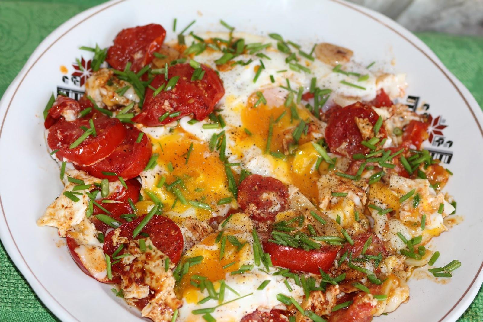 фото яичница с помидорами