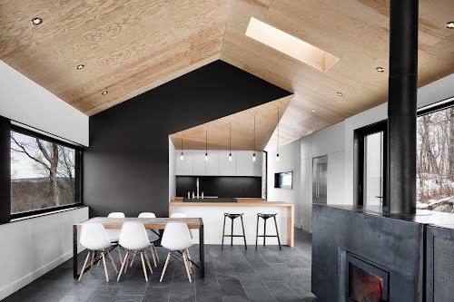 Bolton Residence by NatureHumaine