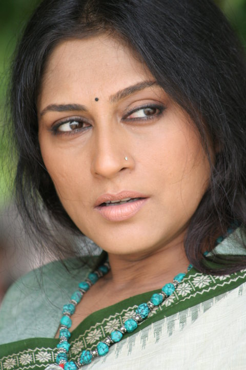 Filmi Masala: Rupa Ganguly Reveals Her Mangoes and Silky
