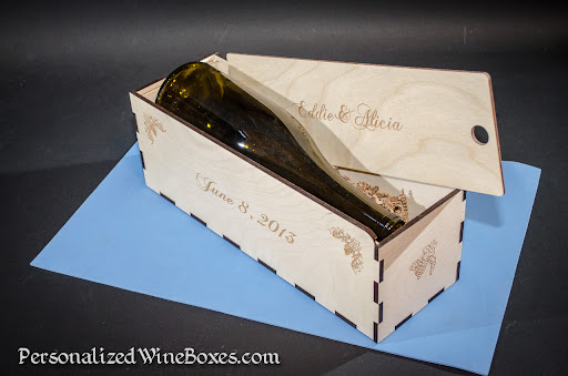 wood wine gift boxes memorable wedding gifts wedding shower hostess gift ideas 512x339