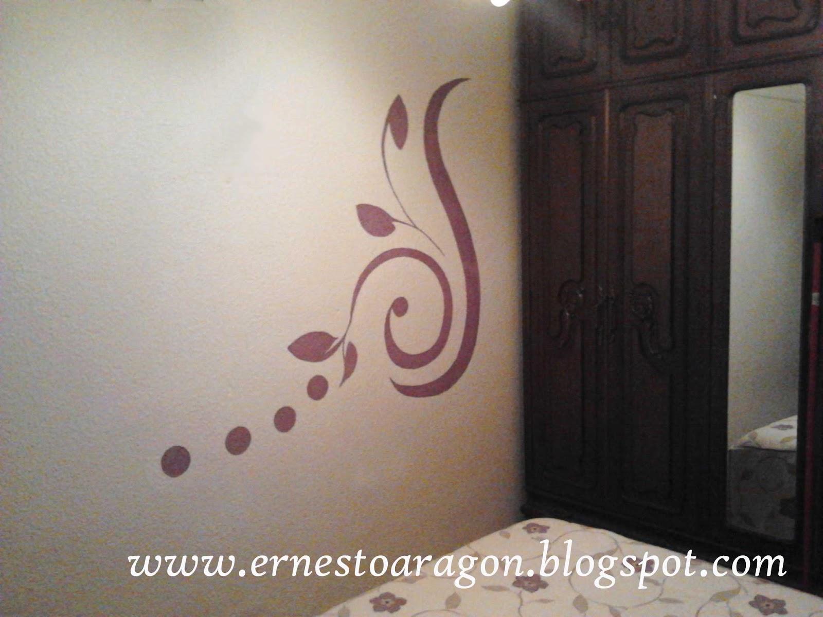 Ernesto arag n pintura para el hogar un vinilo a mano for Dibujos para decorar paredes