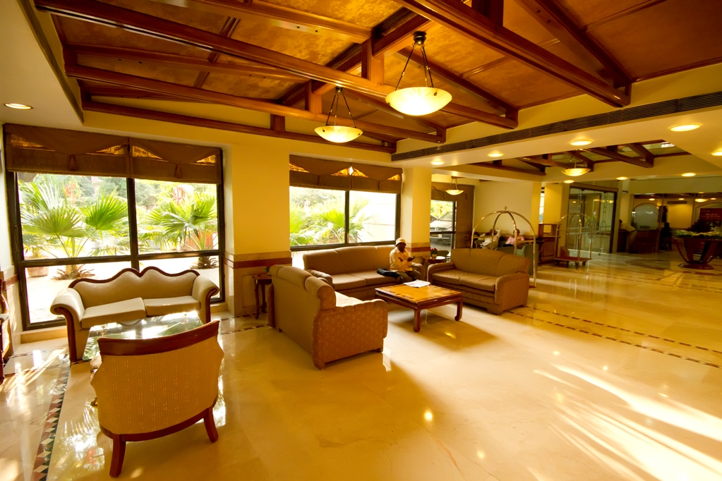 Hotels in connaught place delhi hotels reliable and for Decor international delhi