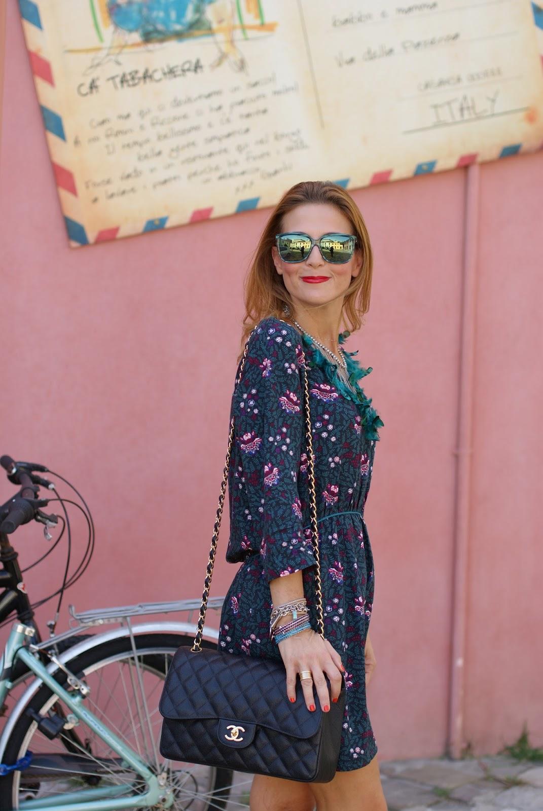 Paramita Magnolia dress and Chanel 2.55 bag on Fashion and Cookies fashion blog, fashion blogger style !