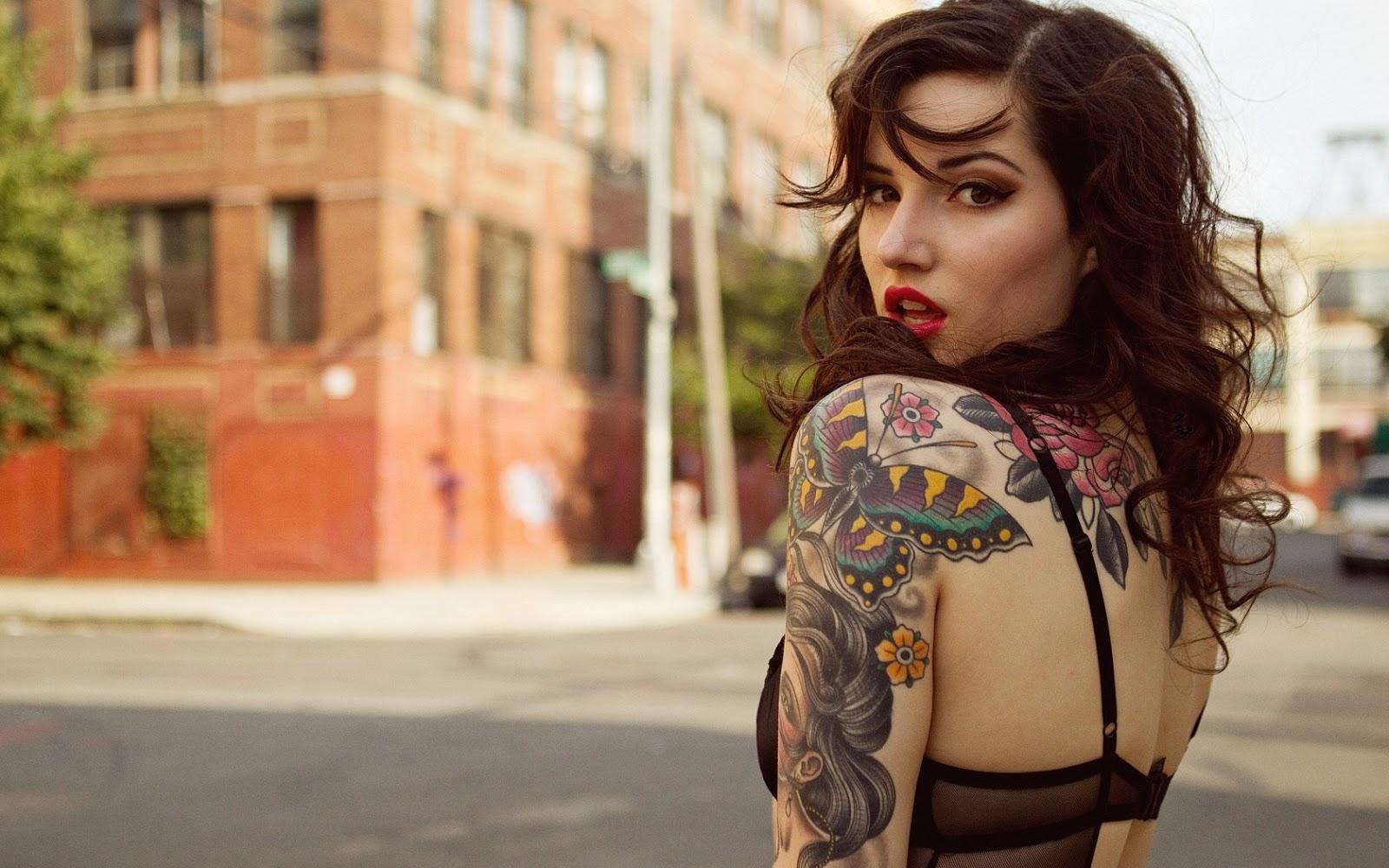 Tattooed Women Wallpaper