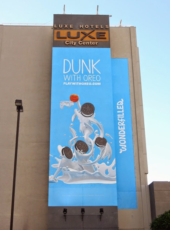 Dunk with Oreo Wonderfilled billboard